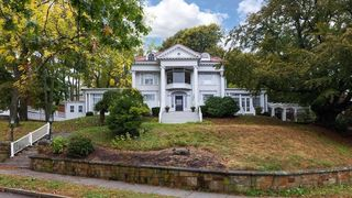 85 Commonwealth Ave, Chestnut Hill, MA 02467