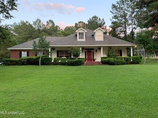 3516 Forest Hill Rd, Jackson, MS 39212
