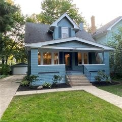 2580 Idlewood Rd, Cleveland Heights, OH 44118