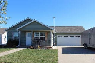 106 7th St SE, Grand Meadow, MN 55936