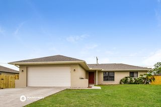 8360 Coral Dr, Fort Myers, FL 33967