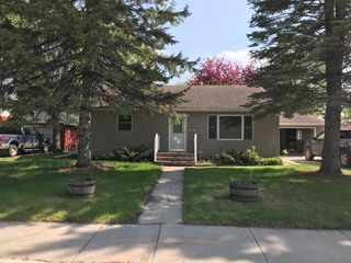 1127 14th Ave S, Grand Forks, ND 58201