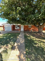 109 Westerfield Pl, Clovis, NM 88101