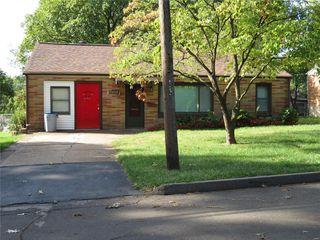9602 Ridge Ave, Saint Louis, MO 63114