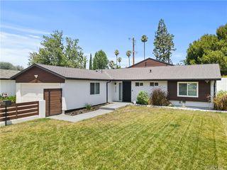 23349 Friar St, Woodland Hills, CA 91367