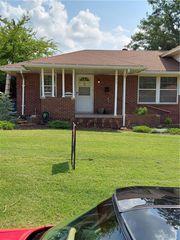 136 Leonard Ln, Oklahoma City, OK 73110