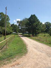 6923 E Chickasaw Rd, Milburn, OK 73450