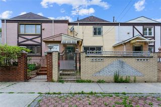110-17 64th Ave, Forest Hills, NY 11375