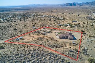 9019 Agave Rd, Apple Valley, CA 92308