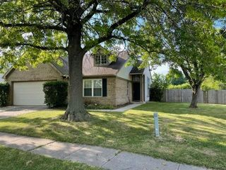 5040 Eagles Watch Dr, Indianapolis, IN 46254
