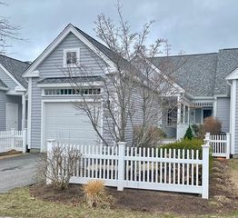 621 White Cliff Dr #621, Plymouth, MA 02360