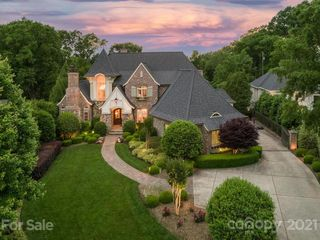 2438 Overhill Rd, Charlotte, NC 28211