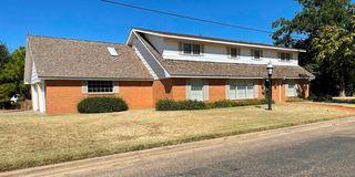 2208 W 13th St, Plainview, TX 79072