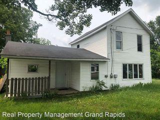 704 White Oak St, Decatur, MI 49045