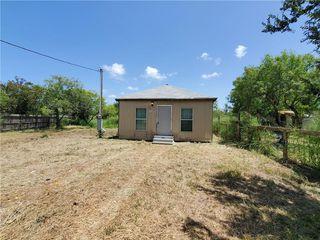 110 Lenette Dr, Woodsboro, TX 78393