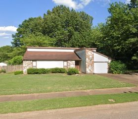 3062 Elmore Park Rd, Memphis, TN 38134