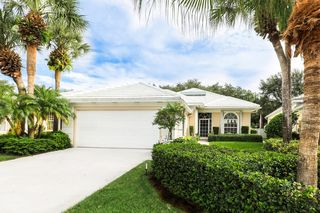 8554 Beaconhill Rd, Palm Beach Gardens, FL 33410