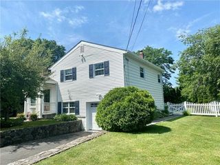2789 Quaker Church Rd, Yorktown Heights, NY 10598