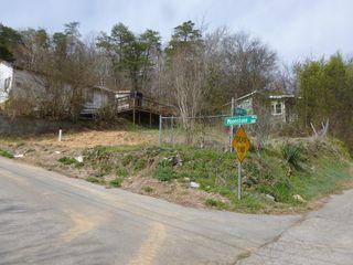 210 Moonstone Rd, Chattanooga, TN 37405