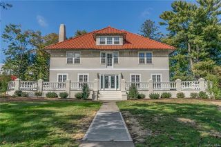 245 Bedford Rd, Pleasantville, NY 10570