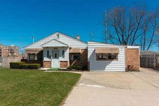 405 Marshall Rd, Northbrook, IL 60062