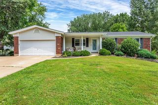 41 Newberry Dr, Saint Peters, MO 63376