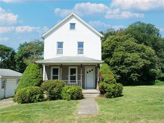 546 Lucy St, Masury, OH 44438