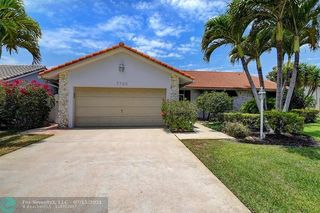 7743 W Country Club Blvd, Boca Raton, FL 33487