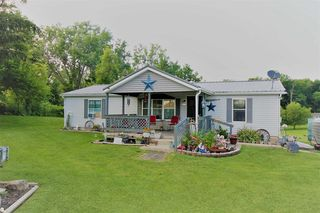 2121 E Mapes Rd, Kendallville, IN 46755