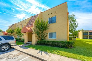 3878 La Mirada Dr N #8, Jacksonville, FL 32217