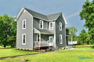 987 Water St, Woodville, OH 43469