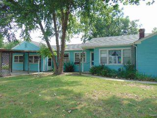 2216 S Old Manor Rd, Wichita, KS 67218