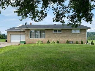 617 Pleasant Valley Rd, Blairsville, PA 15717
