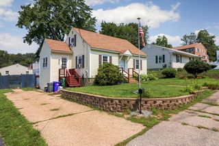 222 Holly Ave, Manchester, NH 03103