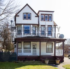 8415 Detroit Ave #2, Cleveland, OH 44102