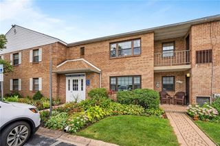 116 Woodstream Dr, Norristown, PA 19403