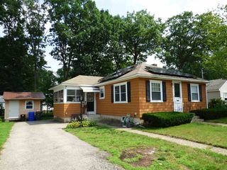 76 Brunelle Ave, Manchester, NH 03103