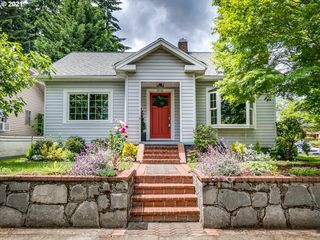 5935 N Burrage Ave, Portland, OR 97217