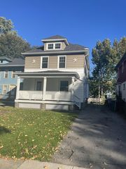 292 Selye Ter, Rochester, NY 14613