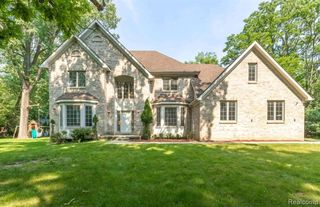5681 Halsted Rd, West Bloomfield, MI 48322