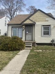 18040 Fenelon St, Detroit, MI 48234