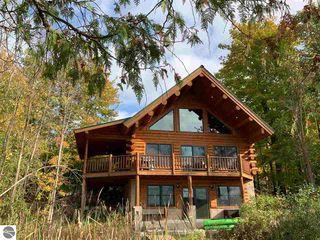 7821 S Cottage Dr, Bellaire, MI 49615