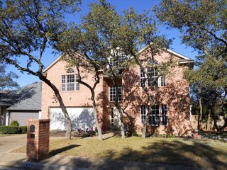 9212 Rustlers Creek Dr, San Antonio, TX 78230