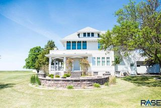 38398 145th St, Mansfield, SD 57460