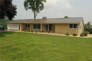 3894 Middleton Rd, Columbiana, OH 44408