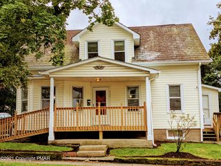 117 Center St, East Stroudsburg, PA 18301