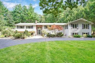 22 Heritage Dr, Somers, CT 06071