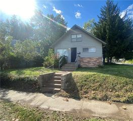 302 S Hocker Ave, Independence, MO 64050
