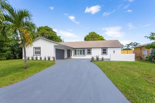 111 SE 31st Ave, Boynton Beach, FL 33435
