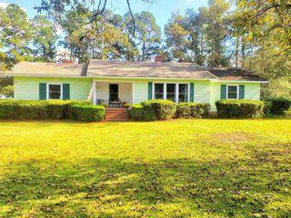 711 W Moring St, Swainsboro, GA 30401